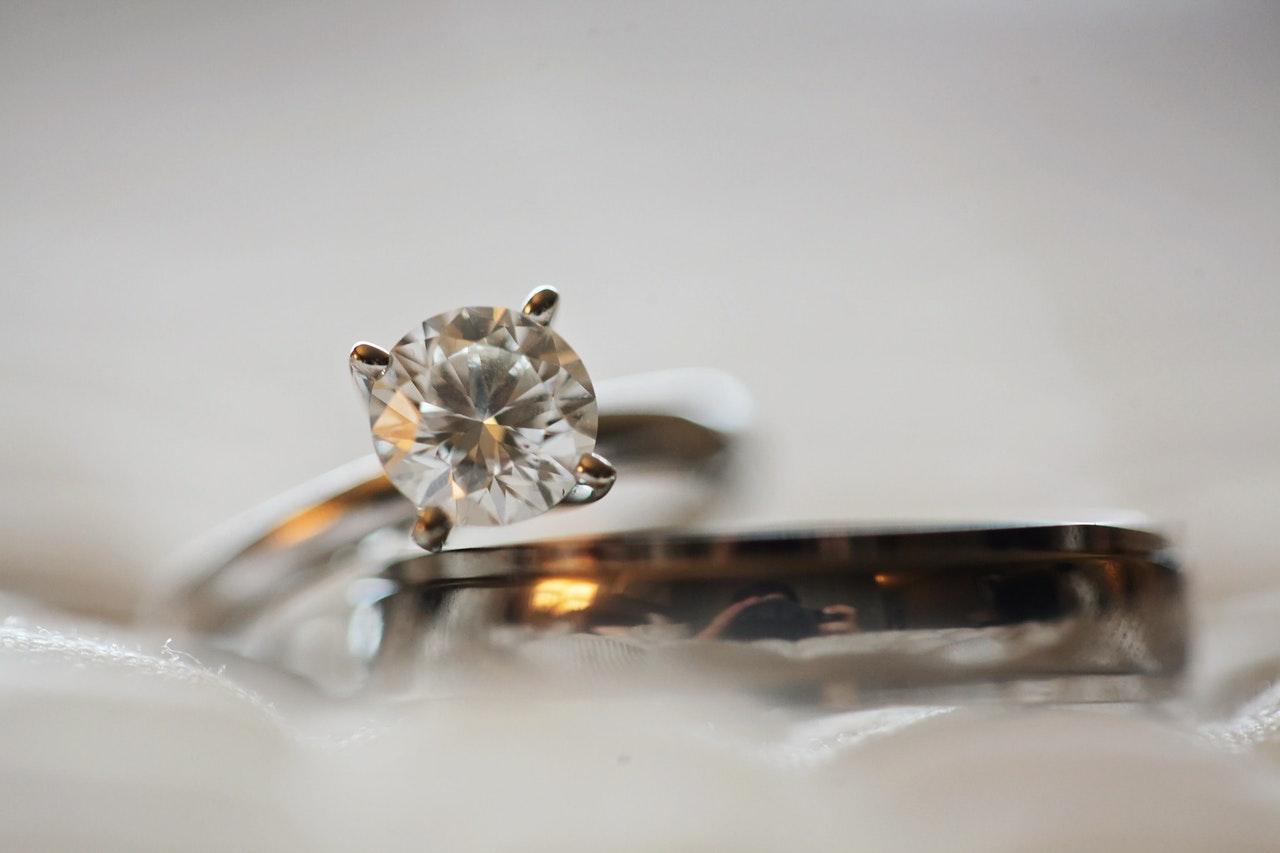 Comment choisir ses bijoux de mariage?